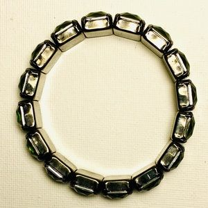 Unknown Jewelry - Emerald green gems fashion bracelet NWOT